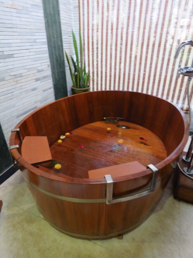 Inle Lake, Myanmar–Bathtub At The Aureum Palace Resort