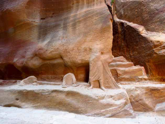Petra–Carvings: Man And Horse